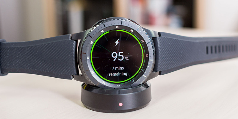 TOP 2: Smartwatch Samsung Gear S3 Frontier